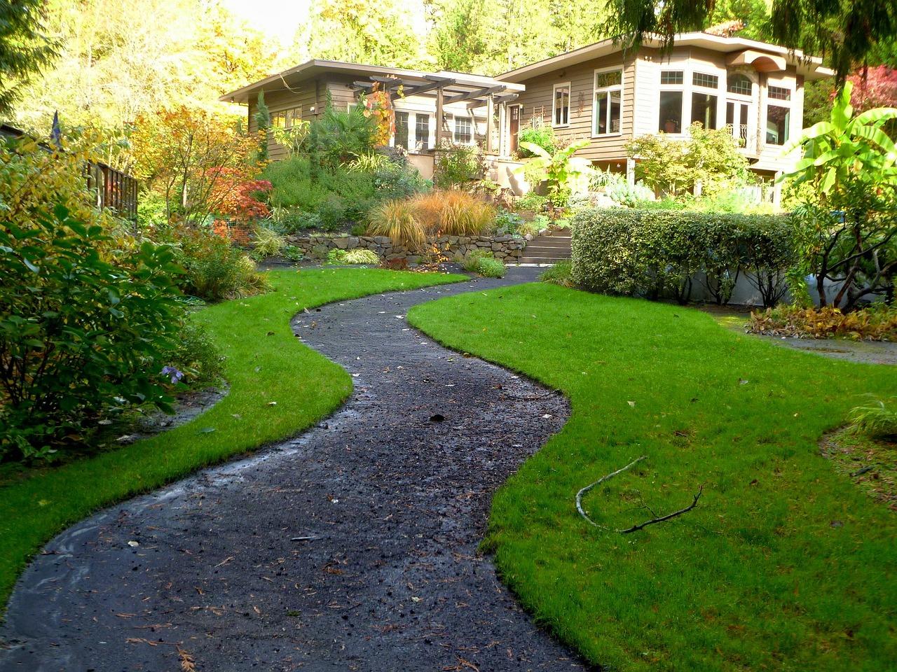Quelle est la différence entre une allée de jardin et une allée carrossable ?
